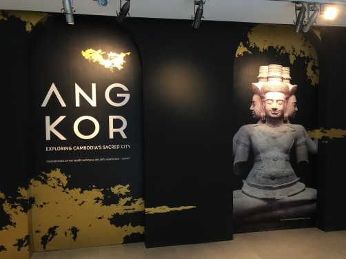 Angkor-Exploring-Cambodia-sacred-city2